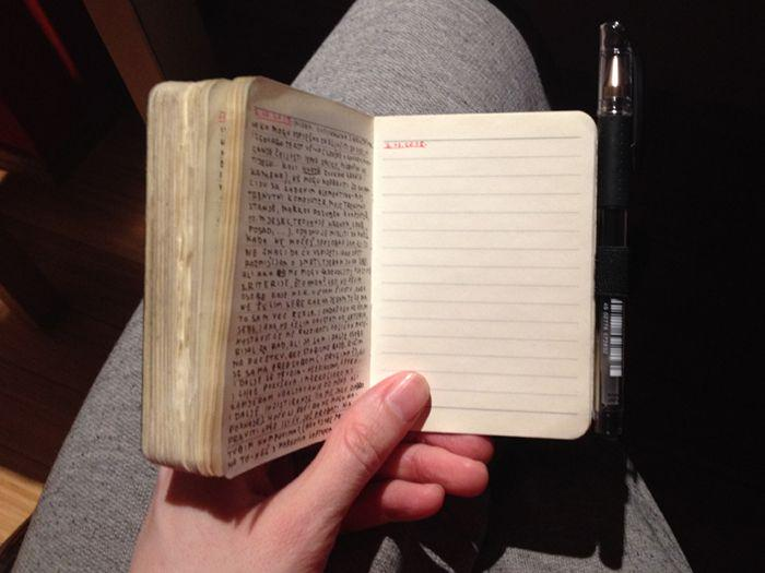 photo of notebook to better see its size which is small