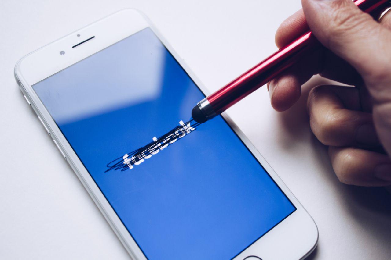 Erasing facebook