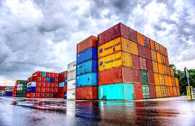 Containers impilati