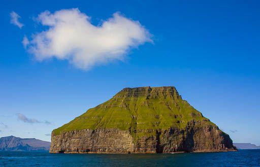 Lítla Dímun and fluffy cloud