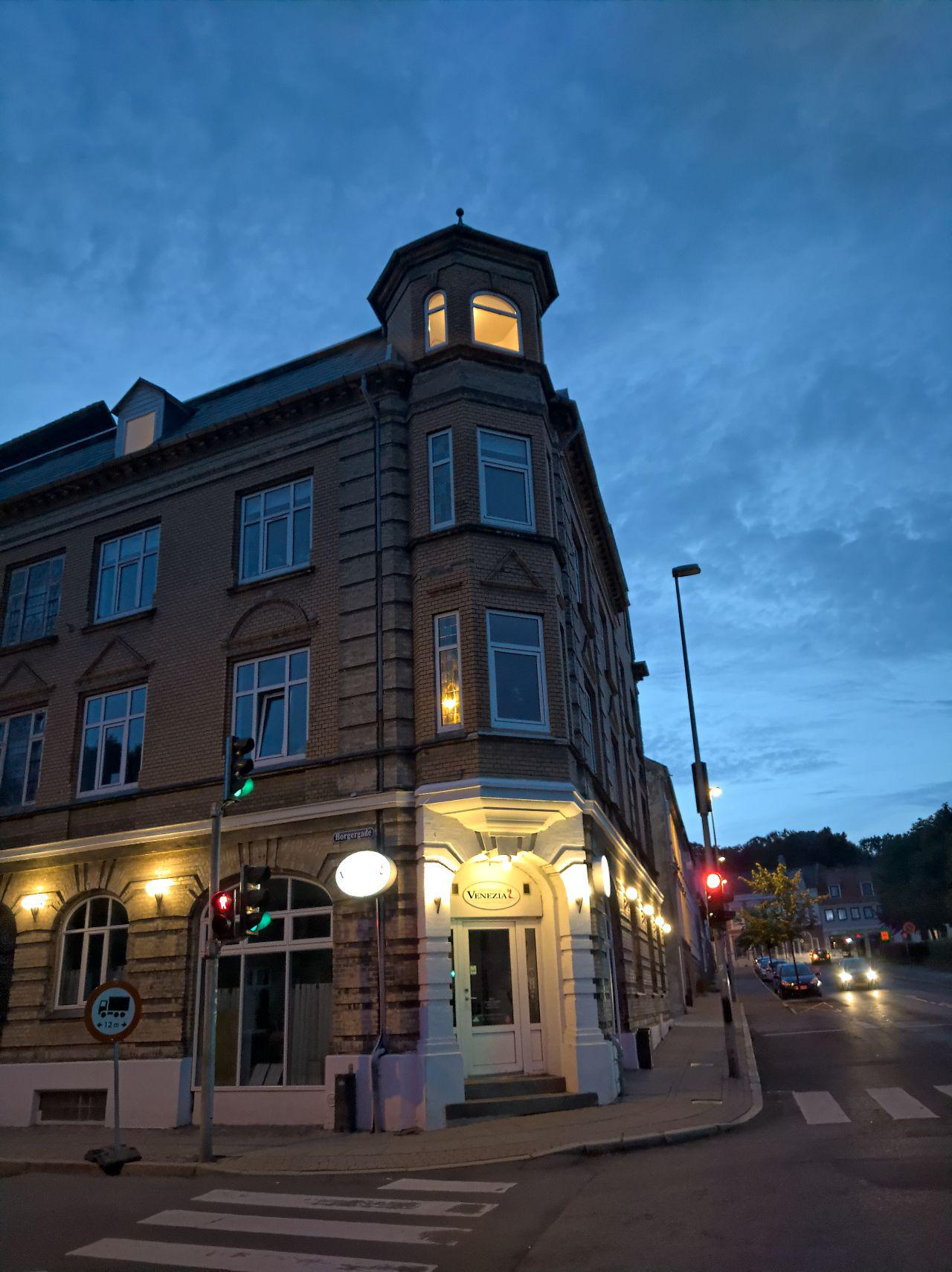 Building and night sky in Horsens