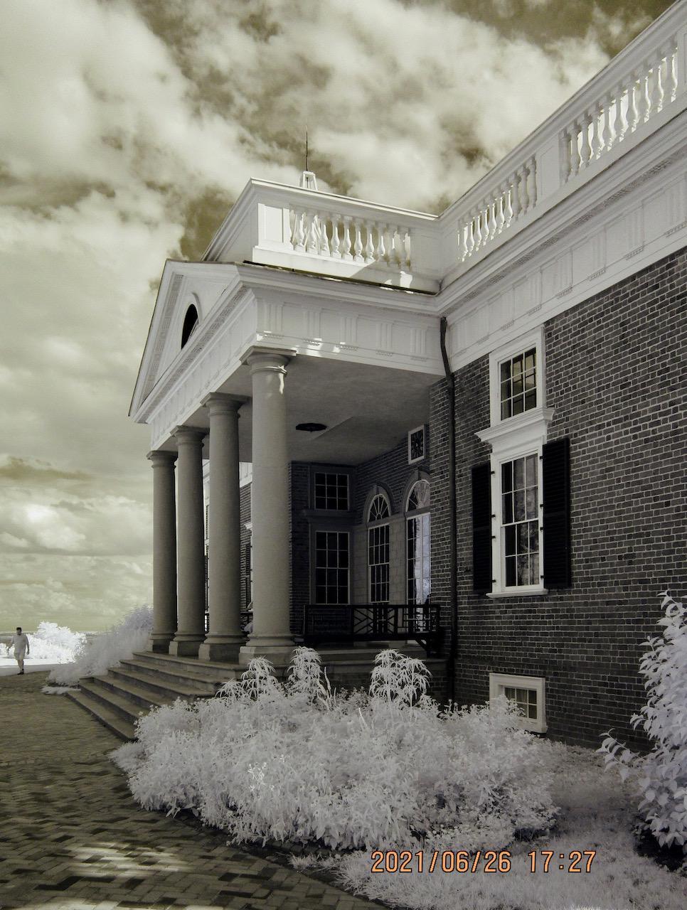 Exterior shot of Jefferson's home in Charlotteville, VA